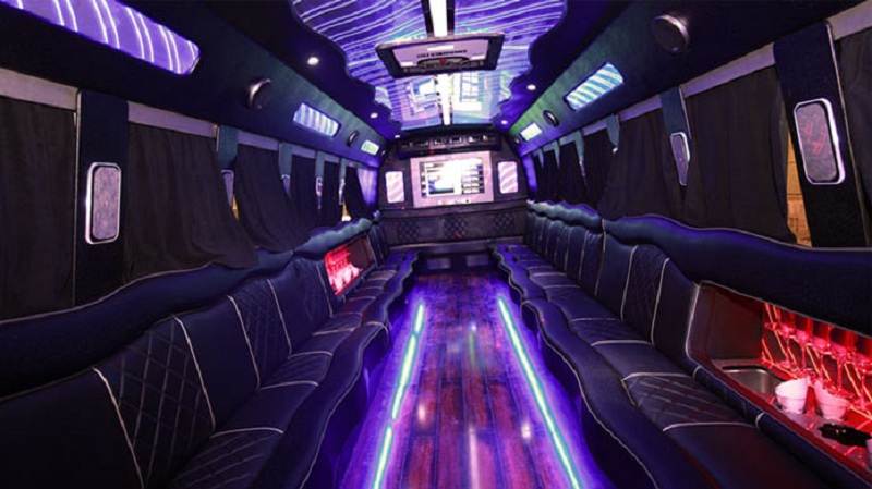 A Few Essential Things to Consider While Booking a Party Bus for Your Event