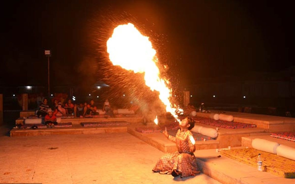 Dubai Desert Safari evening with fire show