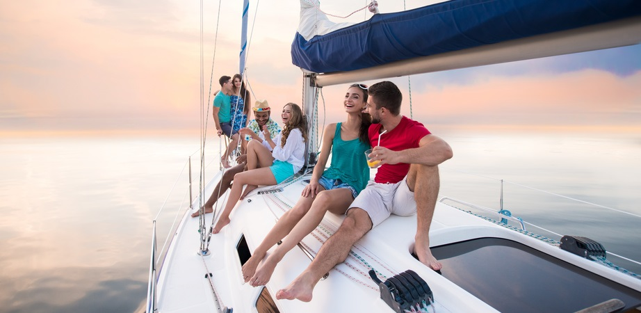 Top services a sailboat rental offers on vacations