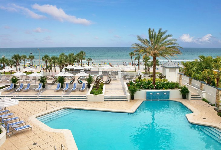 Tips to Book a Hotel for Your Vacation in Daytona Beach Florida